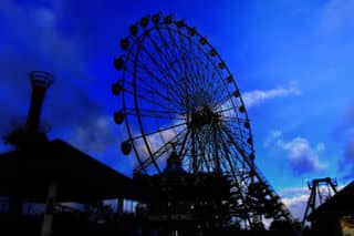 Ferris wheel in Skyranch. 150pesos. 2 mins lol