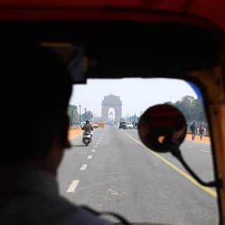 Heading to India Gate.